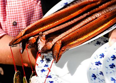 Aale auf Teller im Spieker Bad Zwischenahn